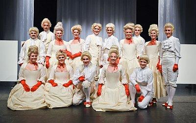 """Mitglieder des UMKC in den Kostümen für """"Amore mio"""" (Foto: Udo Krause); Mitglieder des UMKC in den Kostümen für """"Amore mio"""" (Foto: Udo Krause)"""