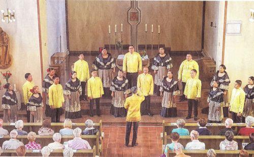"""Konzert des Chores """"Novo Concertante"""" aus Manila in der Kirche St. Maria Magdalena Prenzlau am 14.06.2018 (Foto: Jürgen Bischof)"""